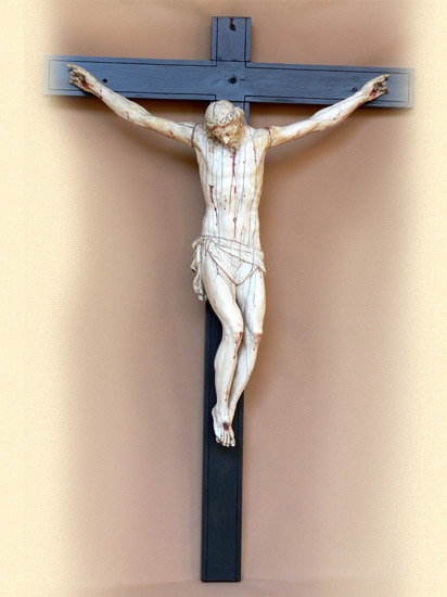 Crucificado de marfil